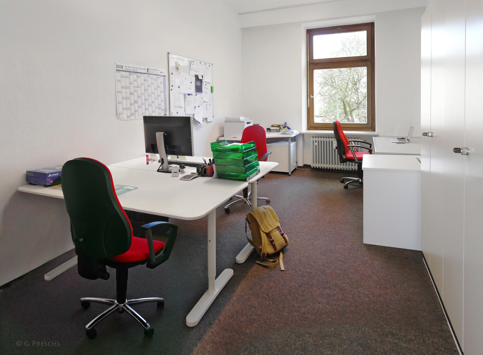 Raum 5 mit 3 Arbeitsplätzen
